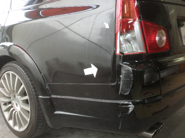 日産ステージア クオーター リアバンパー鈑金修理